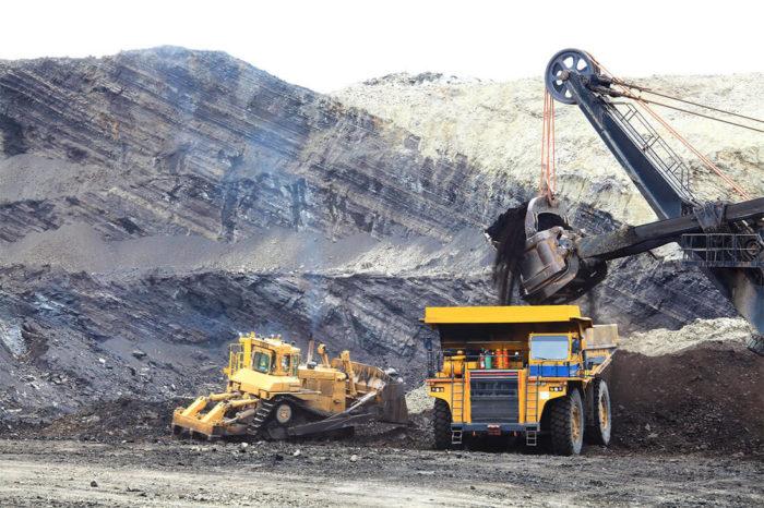 Mining site haul truck